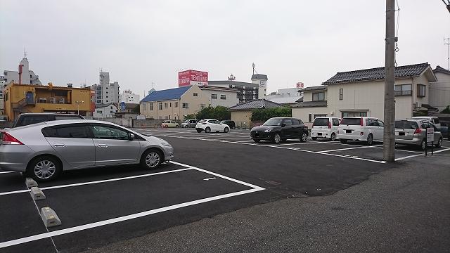 駐 車場 付き ファミレス